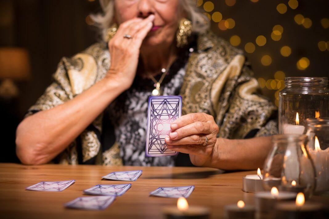 Tarot Jeu De 32 Cartes Horoscope Du Jour Gratuit